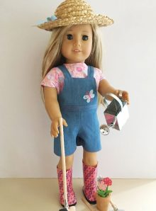 Overalls, hat and gardening set